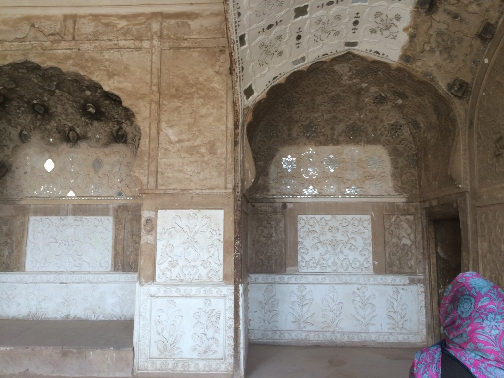 Restored and unrestored patches in the Sheesh Mahal